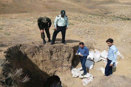 ۱۳ حفار غیر مجاز آثار تاریخی در ایلام دستگیر شدند