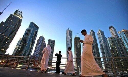 امارات  |   دانشجویان خارجی در صورت داشتن توان مالی، می توانند خانوادههای خود را هم به امارات بیاورند