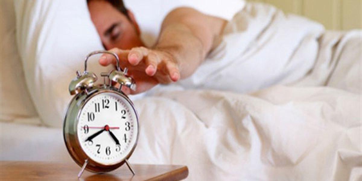 عادتهای روزانه که میتوانند باعث پُرخوابیتان شوند