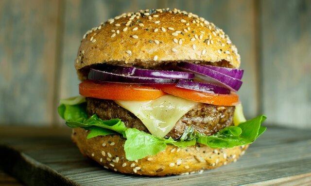 افزایش خطر ابتلا به ۳ بیماری با مصرف بیش از حد گوشت