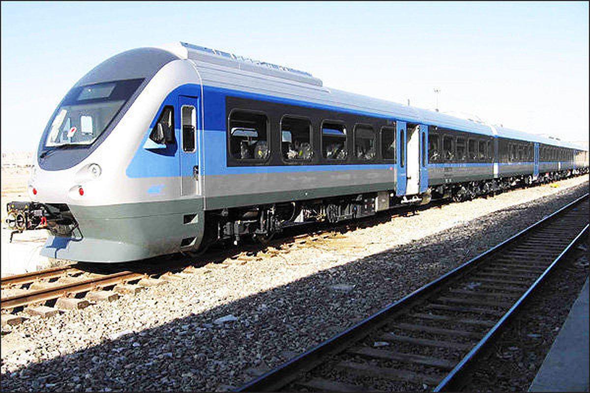 مشکلی در تردد قطارهای باری و مسافری نیست