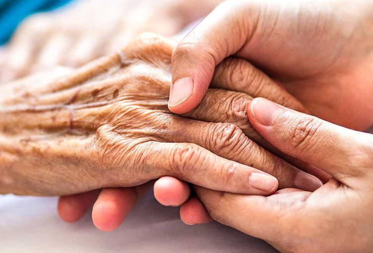 تاثیرات کرونا بر زندگی سالمندان وچگونگی مراقبت از آنها