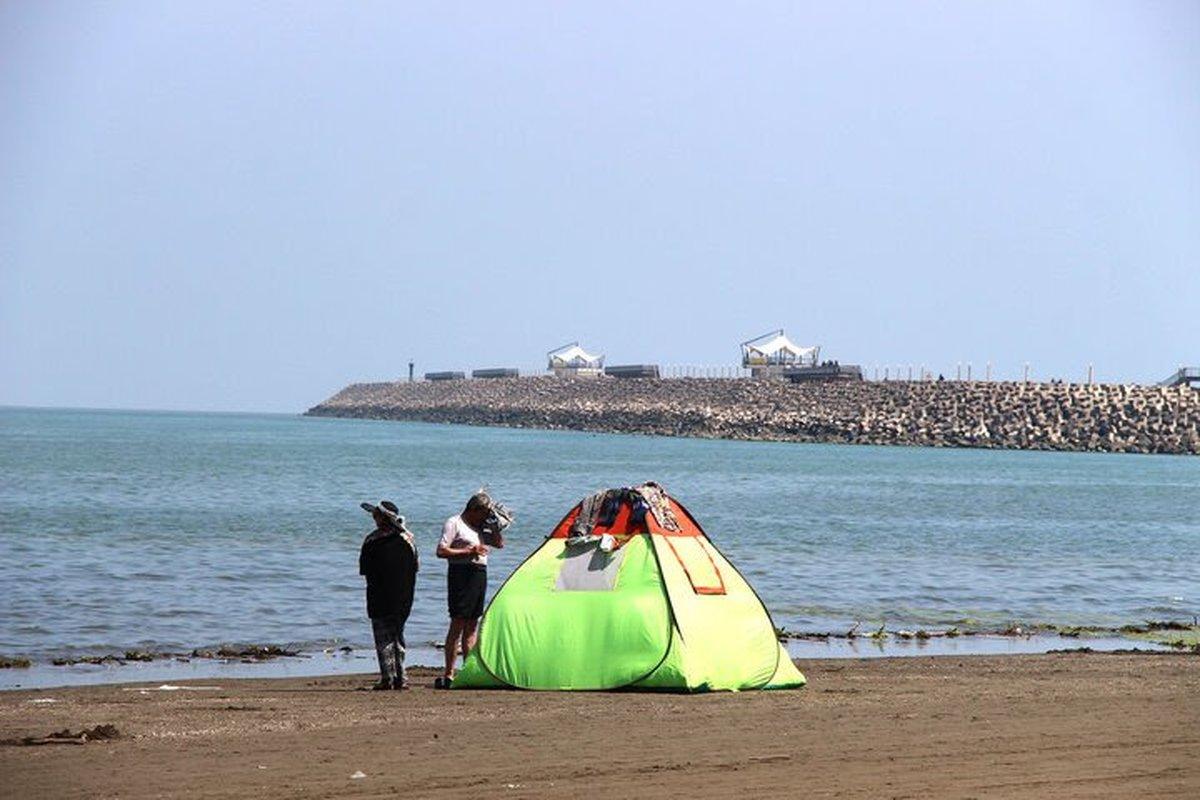 گردشگران در مازندران  |   کرونا ورود گردشگران را در نیمه اول امسال ۷۱ درصد کاهش داده است.