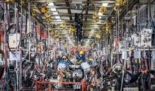 رشد فعالیتهای کارخانجات چین کند شد
