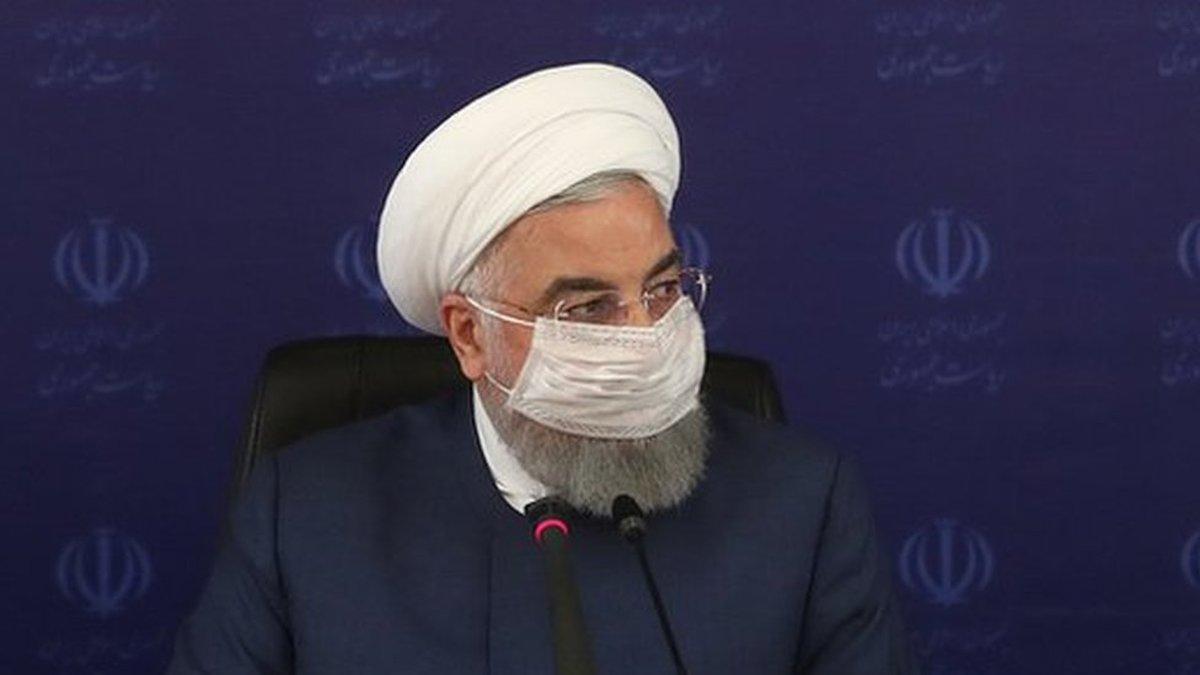 روحانی: مسافران به منزل بازگردند