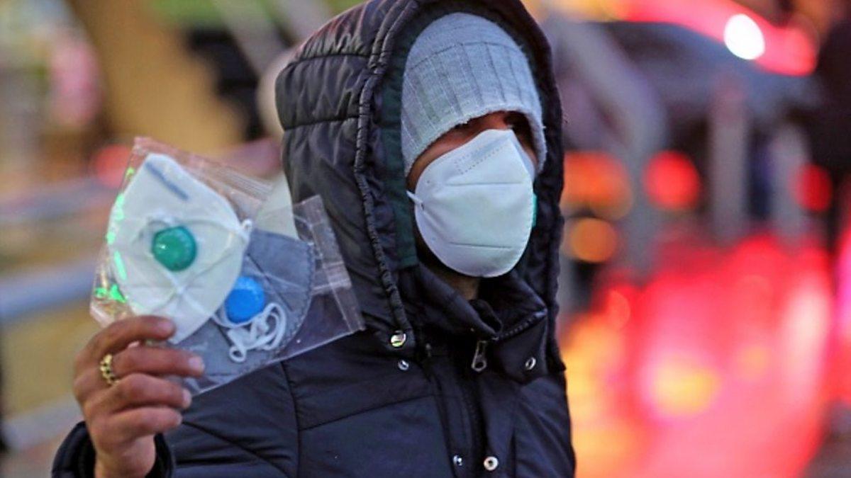 سخنگوی ستاد کرونا: رعایت پروتکلهای بهداشتی در برخی استانها به زیر ۲۰ درصد کاهش یافته / پوشش ماسک در خوزستان زیر ۱۰ درصد است