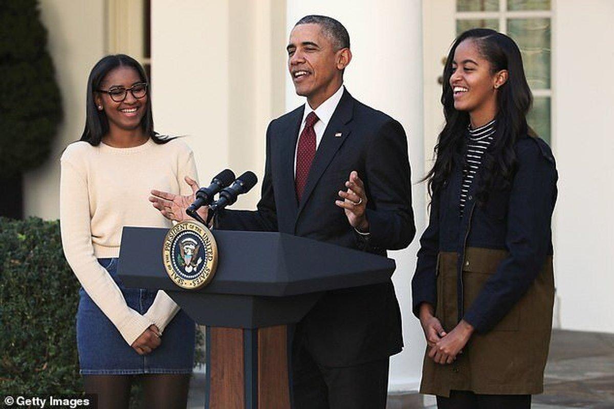 اوباما     دخترانم در اعتراضات مقابله با نژادپرستی تابستان شرکت کرده بودند