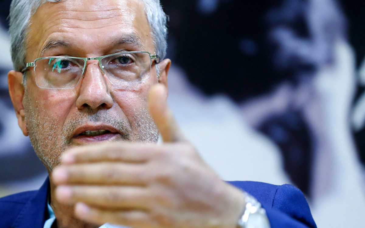 ربیعی خطاب به تخریب کنندگان دولت: در موضع اشتباه تاریخی ایستادهاید!