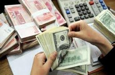 در کشور کمبود ارز نداریم/ عدم نظارت بر بازار، ضعف دولت و مجلس است