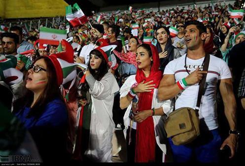 ابتکار: ورود تماشاگران زن به ورزشگاهها در حال اجرایی شدن است