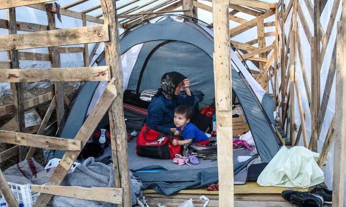 ویدئو؛ تصاویری از زندگی مشقت بار پناهجویان در زمستان جزیرهٔ لسبوس یونان