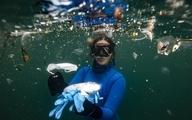 غواصی در میان ماسک و دستکشهایی کرونایی! + تصاویر