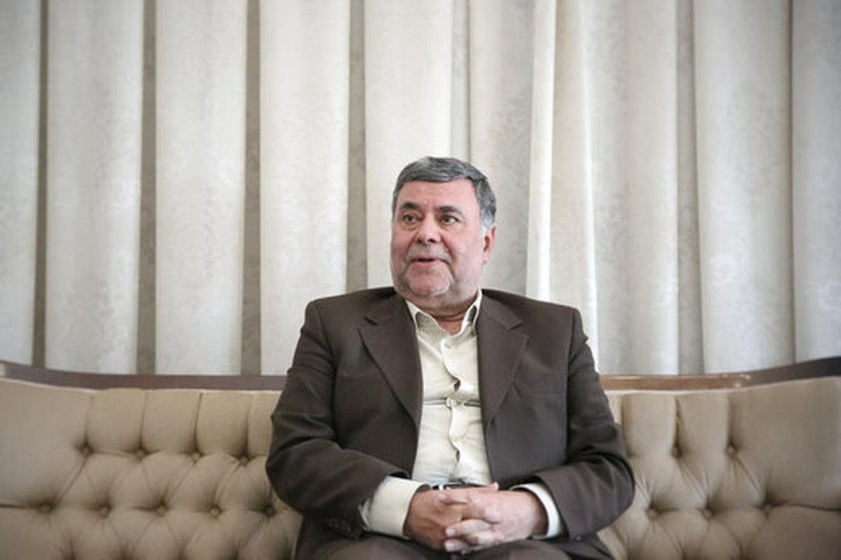 محمد صدر  |   احمدینژاد و ترامپ نشان دادند کاندیداهای ریاست جمهوری باید تست روانپزشکی بدهند