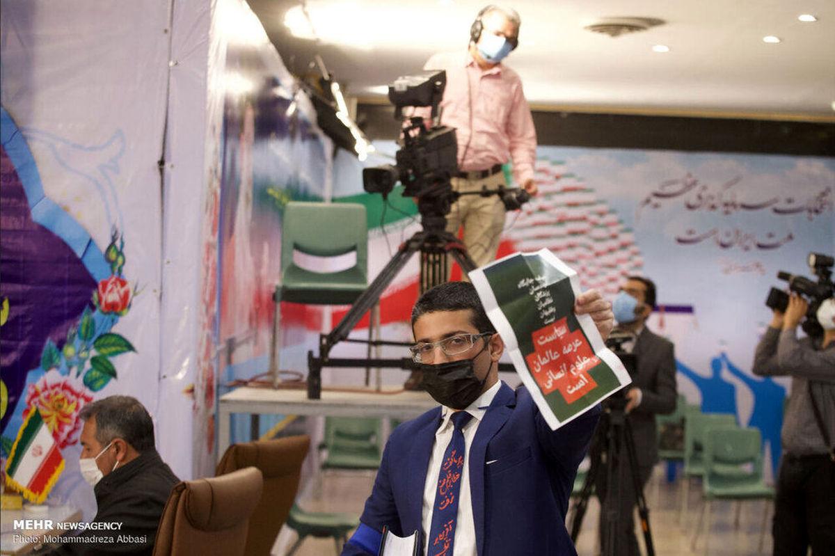 این کاندیدا با کروات به وزارت کشور رفت +عکس