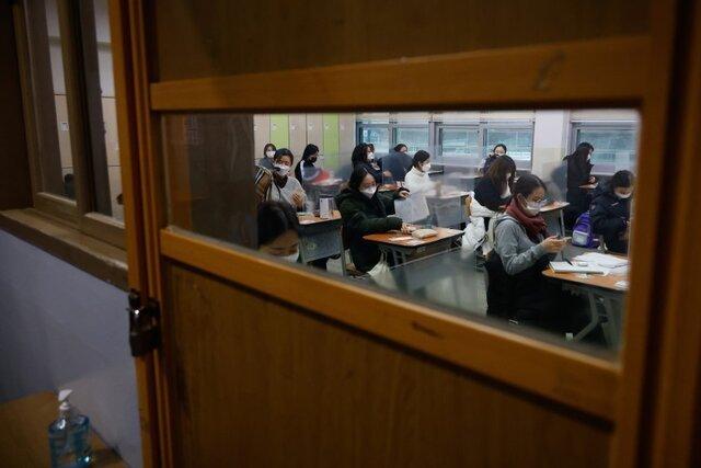 کرونا  |  نیم میلیون داوطلب در کنکور ۹ ساعته کره جنوبی