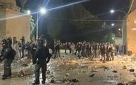 ورود  نمازگزاران به مسجدالاقصی پس از درگیری های شبانه با بیش از ۲۰۰ زخمی