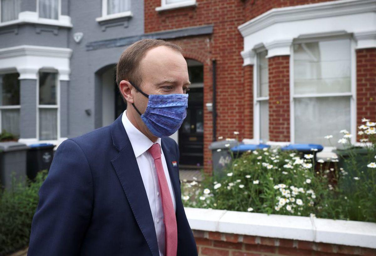 رسوایی وزیر بهداشت بریتانیا؛ نقض قوانین کرونا