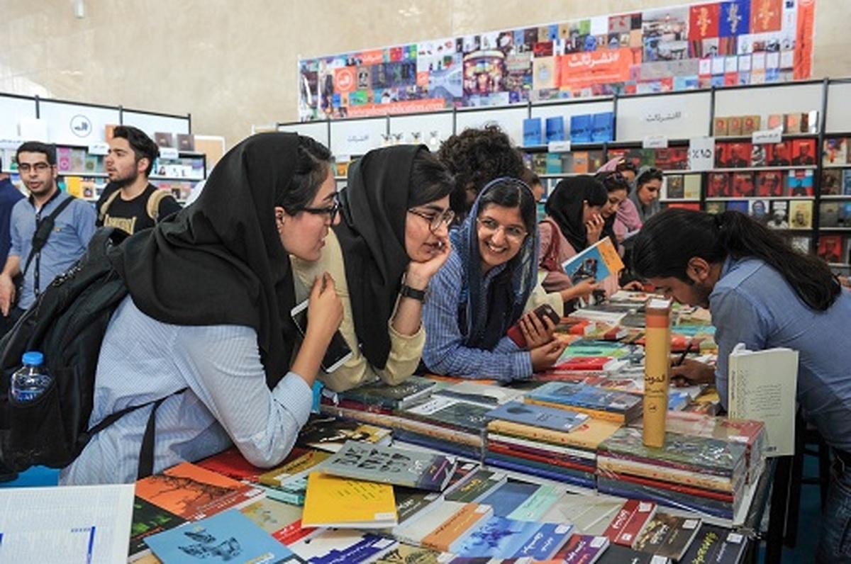 کتابهای قاچاق در بورساند و بازار کتاب در اغما
