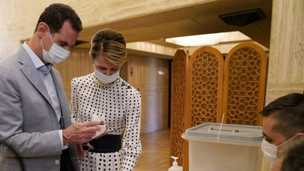 سفیر سوریه در مسکو: انتقال بشار اسد و همسرش به روسیه برای درمان کرونا صحت ندارد   حال هر دوی آنها باثبات است
