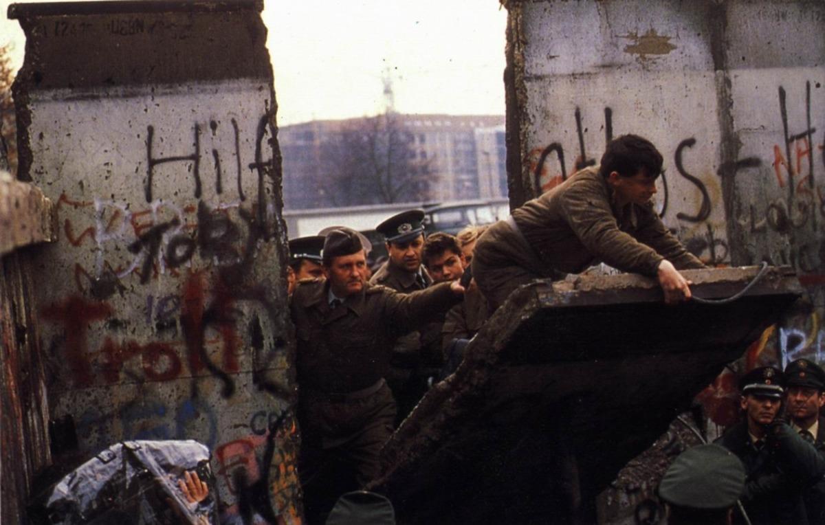 «دیوار برلین»: هر آنچه که باید در مورد چگونگی و چرایی نماد جنگ سرد در آلمان بدانید