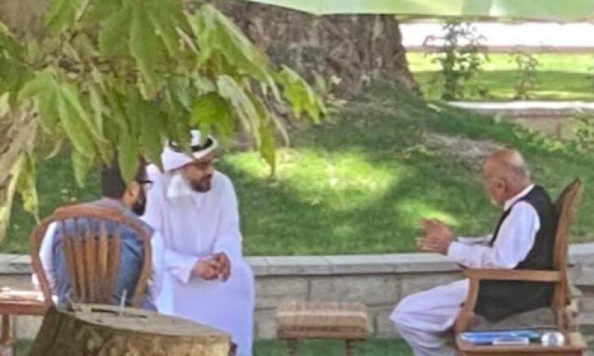عکسی لو رفته از دیدار اشرف غنی با یک مقام اماراتی