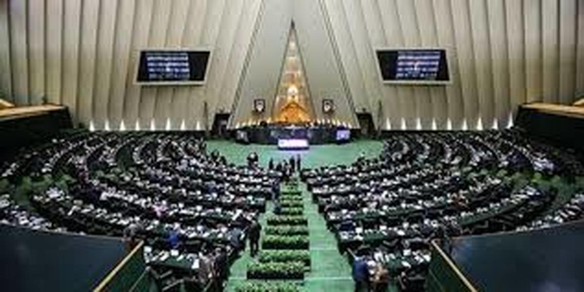 مجلس یازدهم  هیچ راهکاری پیش روی دولت نگذاشته است.