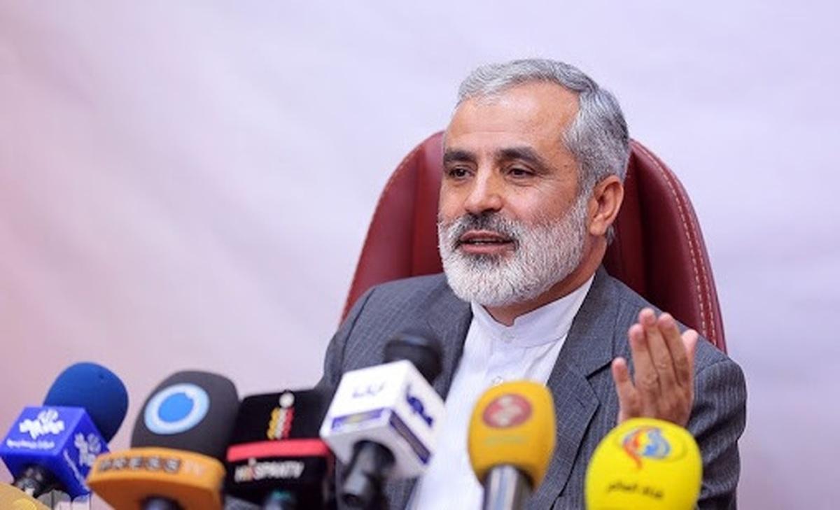 ادعاهای آقایان درمورد حذف نام امام از قطعنامه ۲۲ بهمن، خندهدار است