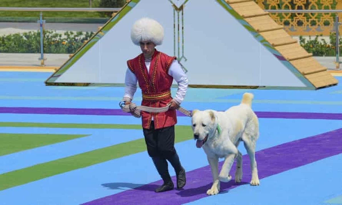 رییس جمهورترکمنستان یک روز تعطیل ملی به سگ آلابای اختصاص داد+عکس