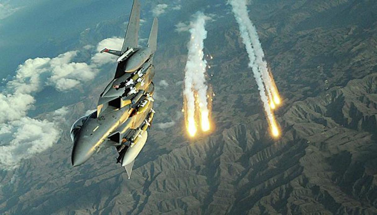 بمباران شدید مواضع طالبان در شبرغان      تلفات سنگینی به طالبان وارد شده است