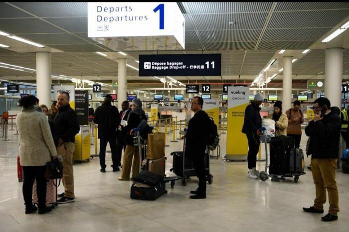 فرودگاه اورلی پاریس به دلایل نامعلوم تعطیل شد