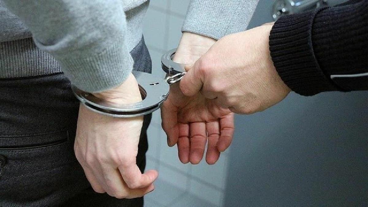 رمال اینترنتی به دام پلیس افتاد