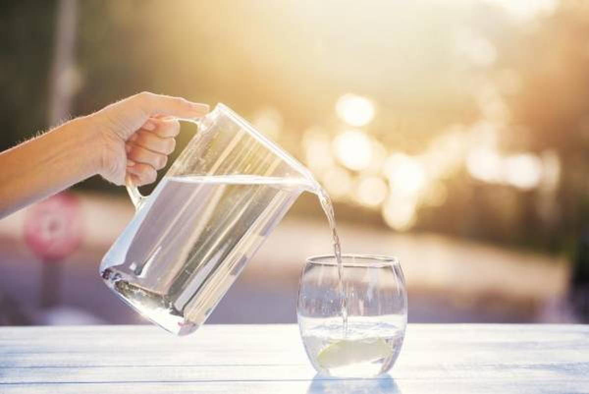 حتما هر روز صبح یک لیوان آب گرم بنوشید