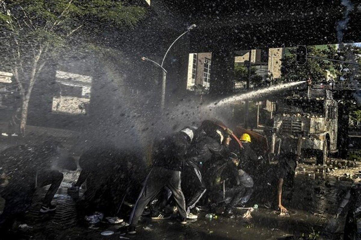 تظاهرات ضد دولتی در پایتخت کلمبیا به درگیری کشیده شد