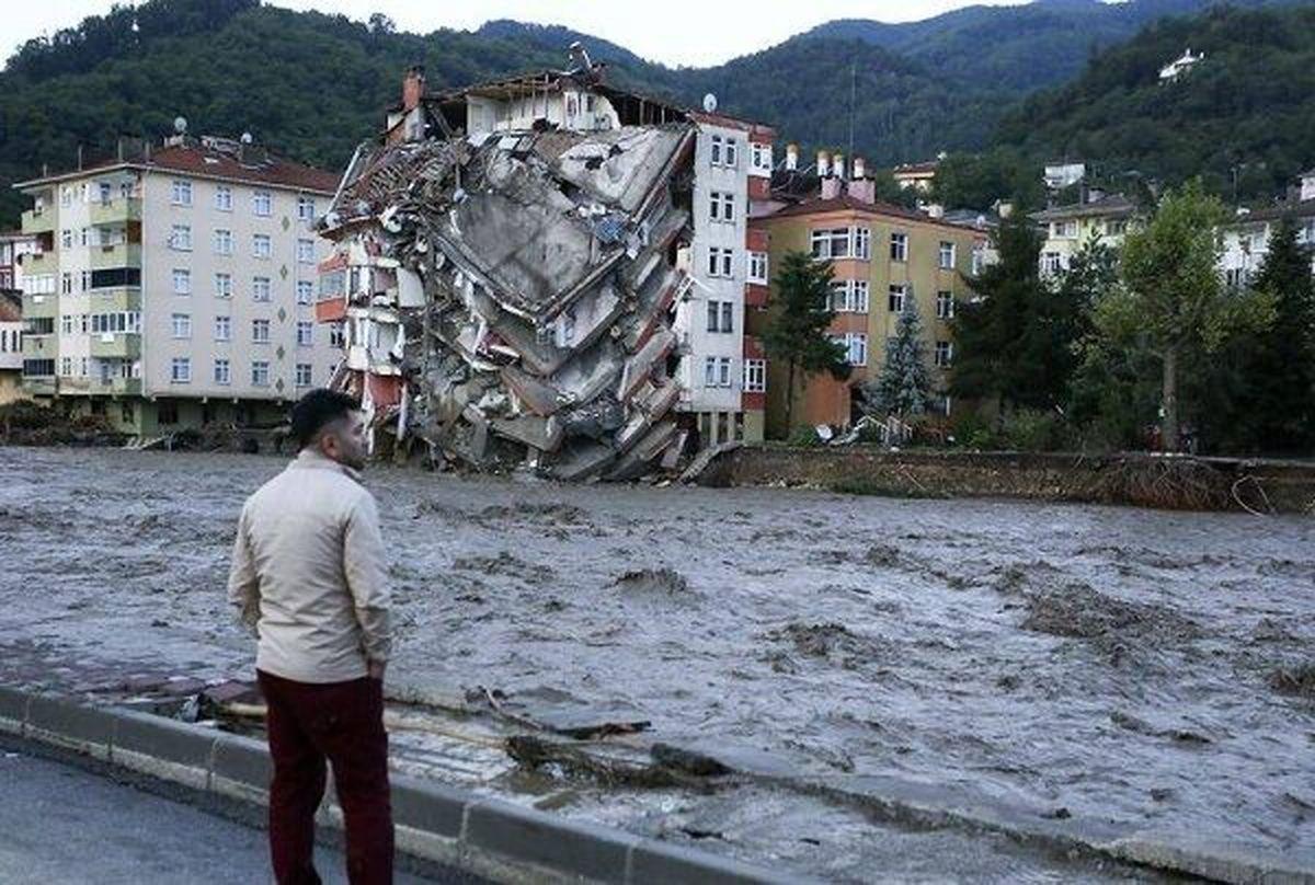 ۱۷ نفر در سیل شمال ترکیه جان باختند