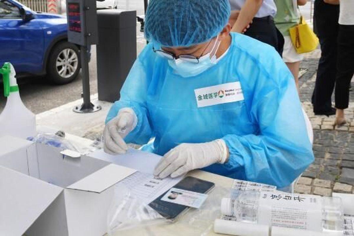 چین   |  انجام ۱۰ میلیون آزمایش کرونا در ۵ روز  / رکورد تازه ای در مهار این ویروس