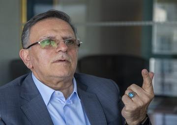 سکوت رئیس کل سابق بانک مرکزی شکست