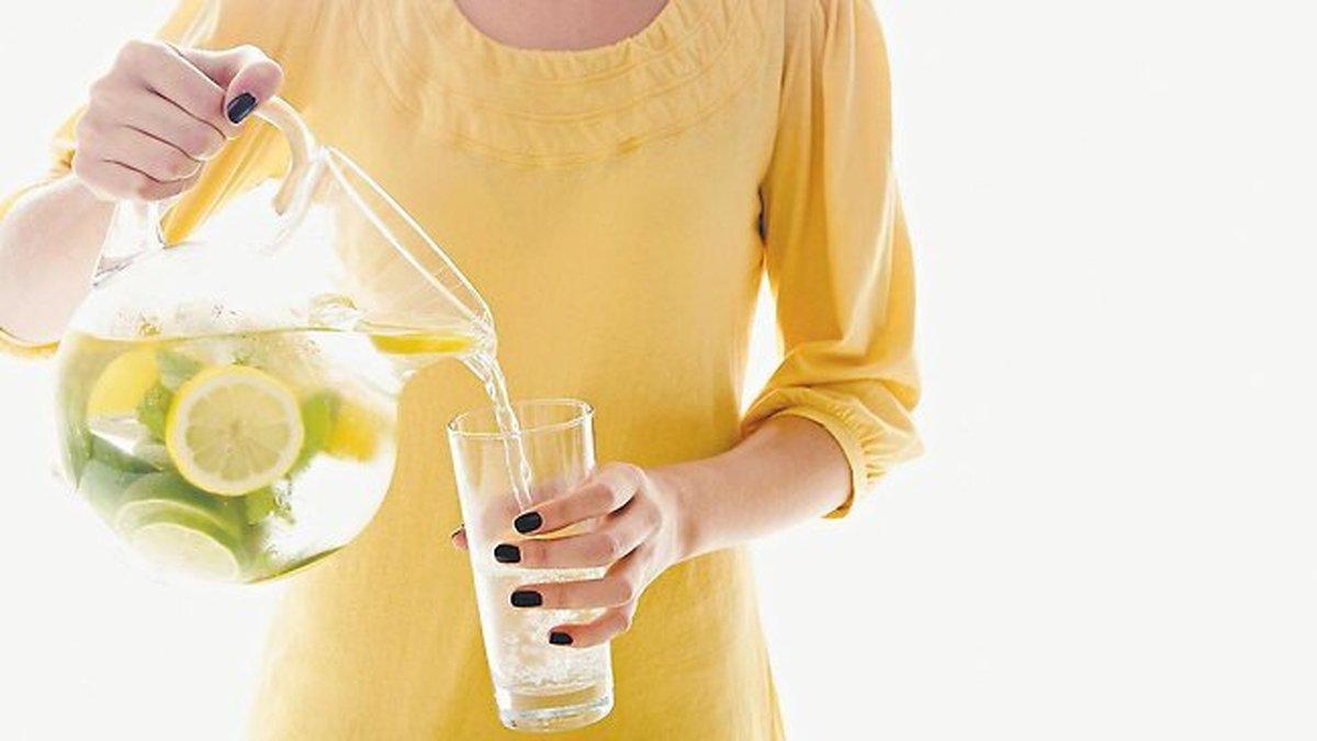 نوشیدنیهایی که در تابستان شما را خنک میکنند