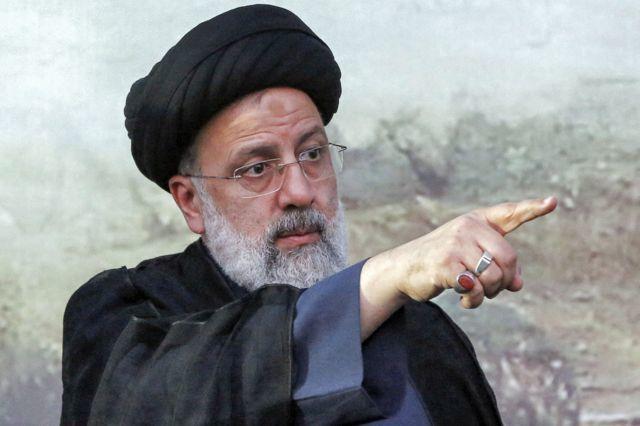 سکاندار ریاست دولت ایران دشمن را دستپاچه میکند