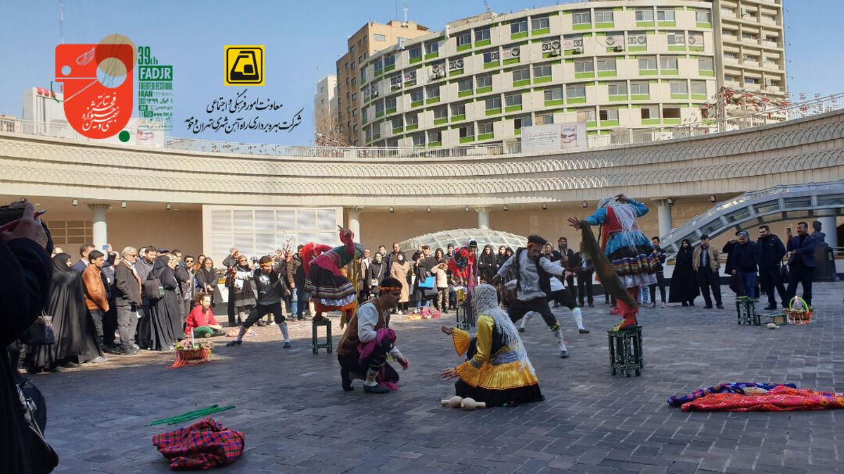 اجرای نمایشهای جشنوارهای درایوان انتظار