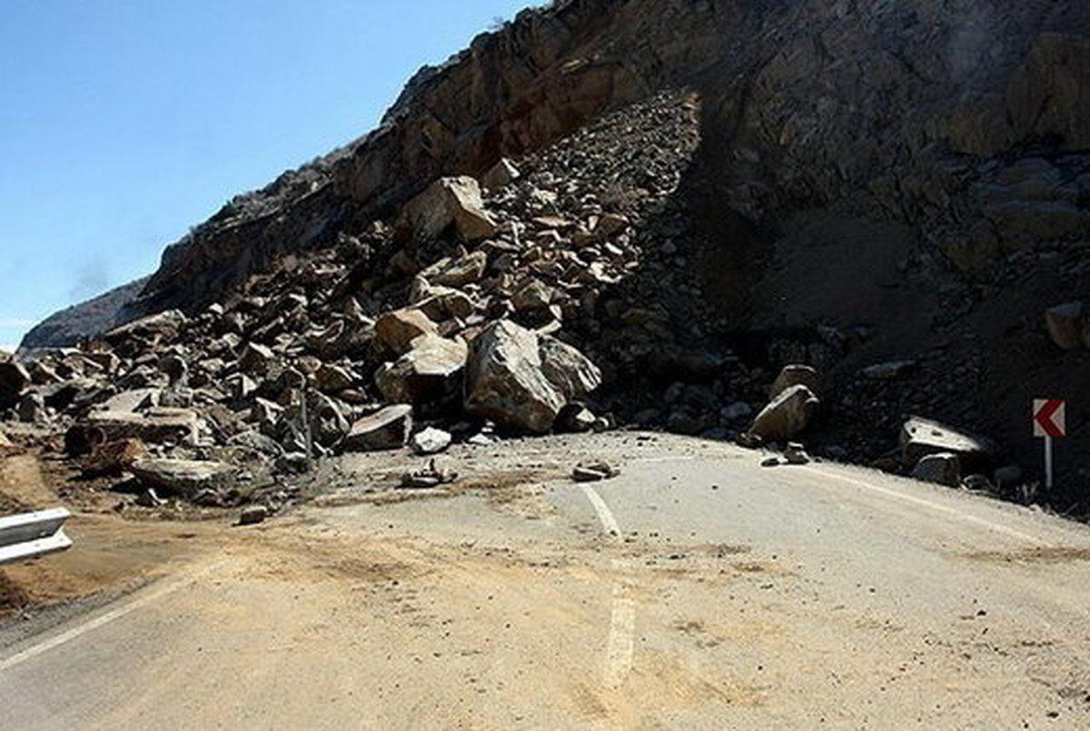 حادثه ریزش کوه در آزادراه تهران- شمال +جزییات