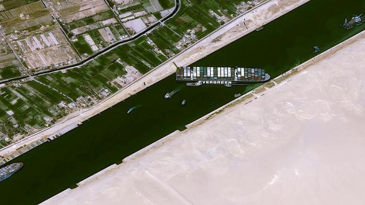 تأثیر سانحه کشتی به گل نشسته بر اقتصاد جهان؛ اهمیت کانال سوئز در چیست؟