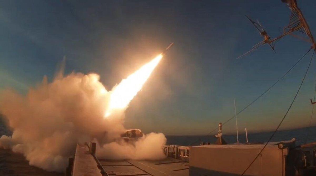 نسل جدید موشک ها و پهپادهای تهاجمی رونمایی شد