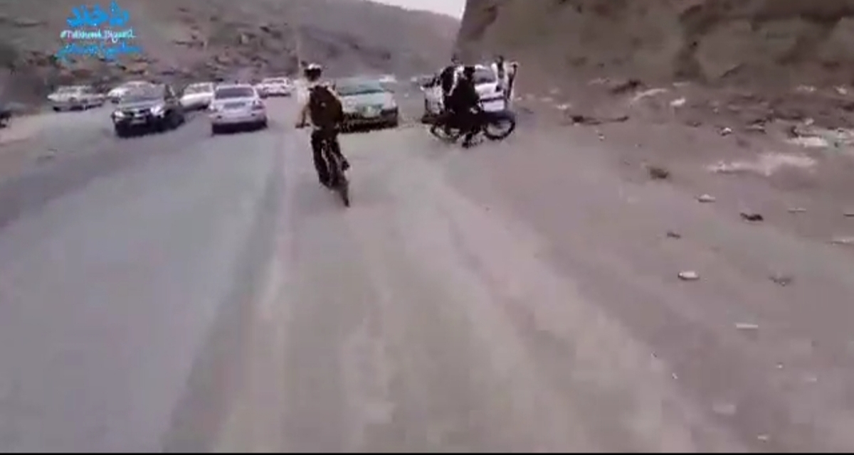متاسفانه تو کشور ما ،دوچرخه سواران هیچ گونه حقوقی ندارن... + ویدئو