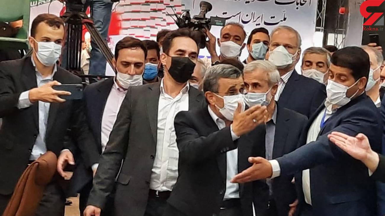 احمدی نژاد مدعی شد ، لیبرال دموکرات است