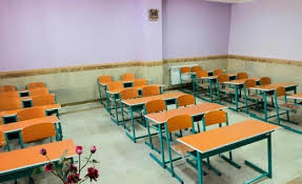 بازگشایی مدارس با تاخیر انجام میشود/ادامه اعمال «محدودیت تردد» و «دورکاری»