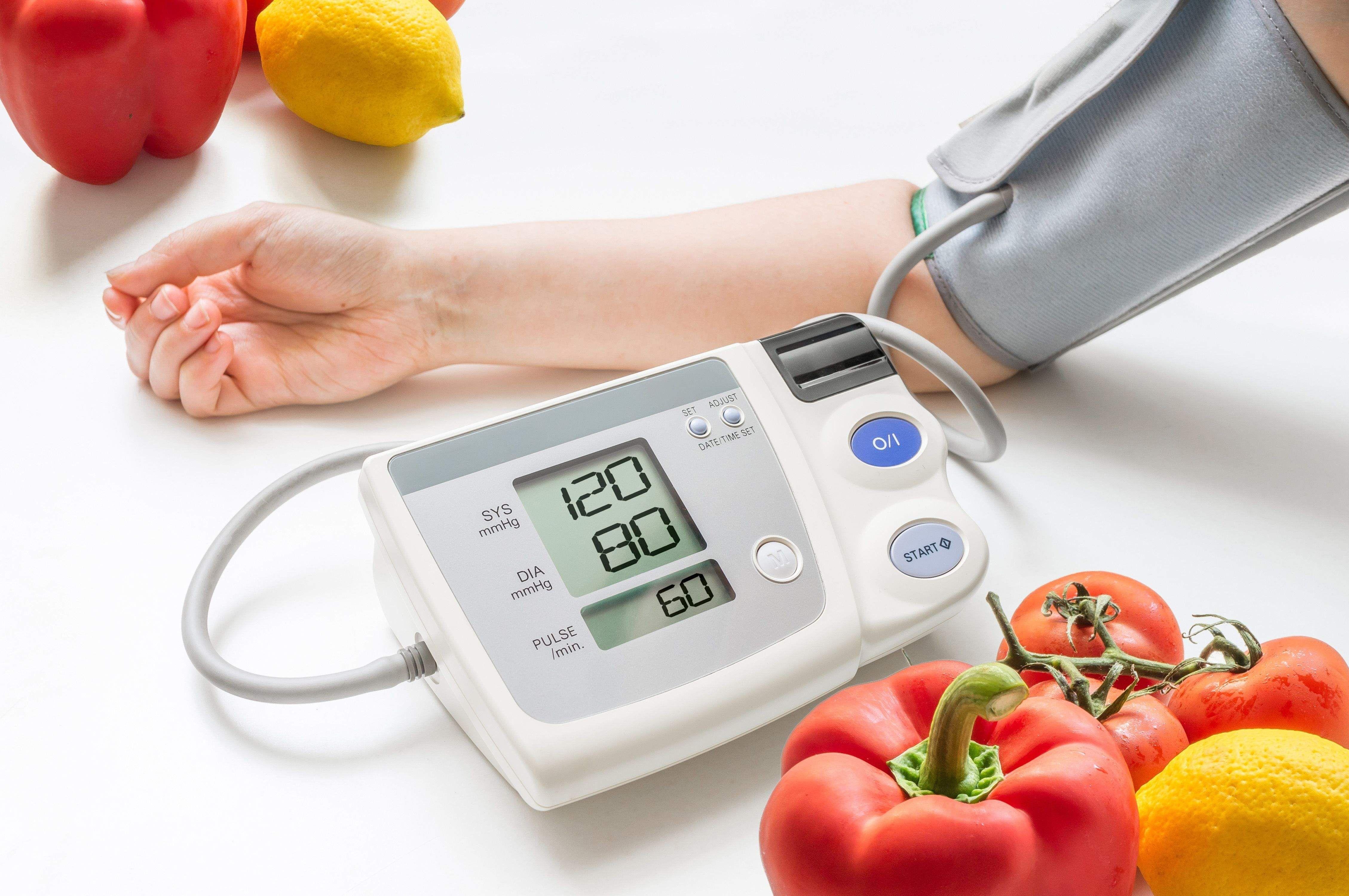 کنترل فشارخون  باچند ماده غذایی فوق العاده