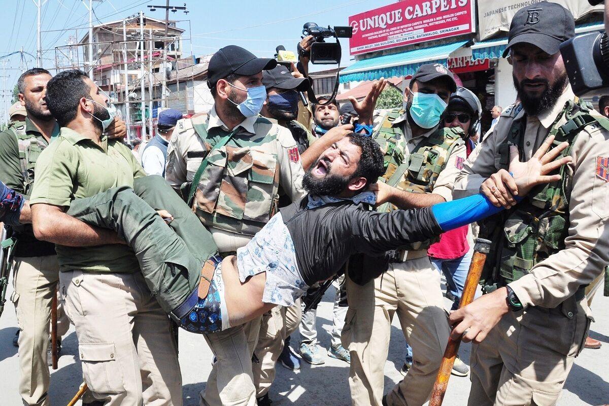 عزاداران حسینی در شهر سرینگر مورد حمله قرار گرفتند