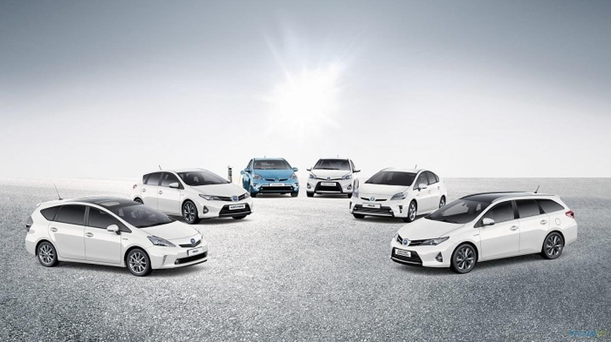 تویوتا تاکنون ۵۰ برابر تسلا خودروی هیبریدی و الکتریکی فروخته است