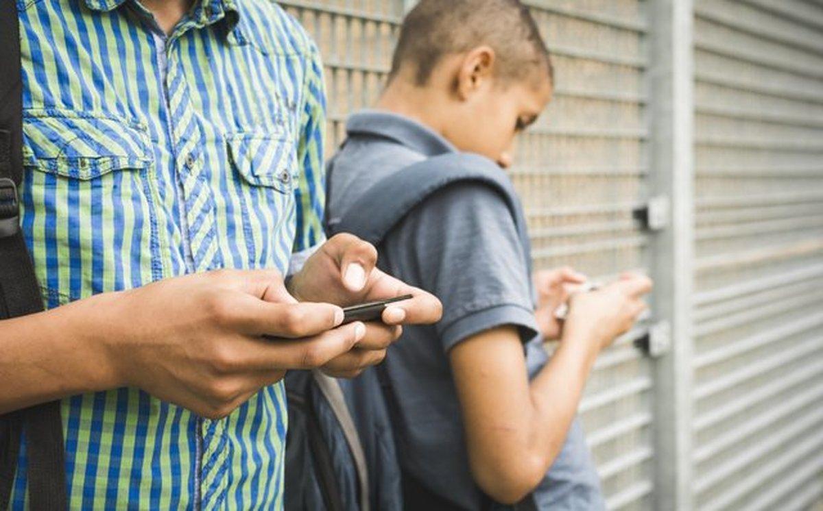 علتهای گرایش نوجوانان به برقراری روابط نامشروع با جنس مخالف