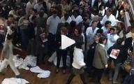 ویدئو؛ درآوردن روپوش سفید در اعتراض به وضعیت بیمارستانهای دولتی